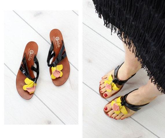 1c1c97a71bb Golo Flower Sandals 6 1 2 60s Vintage Flower Heels Kitten
