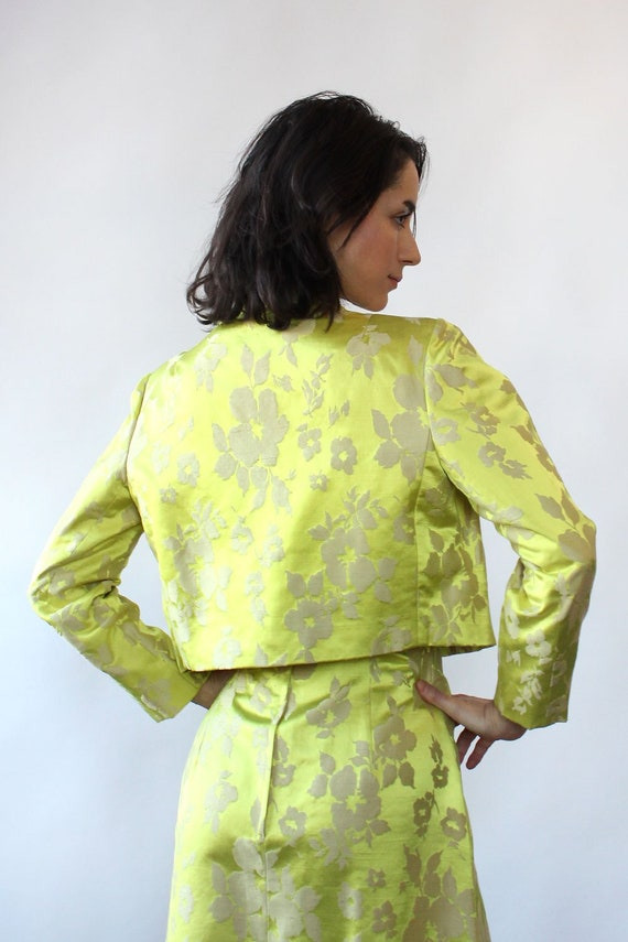 Chartreuse Silk Brocade Ensemble S-S/M • 60s Two … - image 7