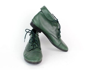 Green Leather Ankle Boots 8.5 | Vintage Lace Up Cuffed Booties