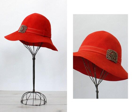 c9e2dd0f65f Ohrbach s Crimson Felt Hat 70s Hat Vintage Felt Hat