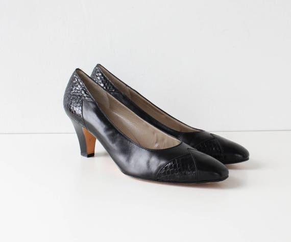 Ferragamo Heels 9 • 80s Heels • Embossed Snakeskin