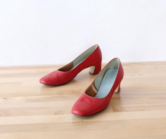 Brick Red Leather Heels 7 1/2 • 60s Pump • Vintage