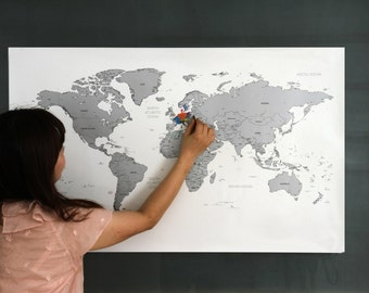Scratch Off World Map Version 2 - Gold / Silver