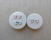 3 Dot Inlay Oval Stud Earrings