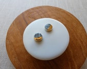 Gold Dip Yoroke Line Round Disc Stud Earrings in Black or Indigo