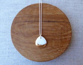 Gold Scalloped Rain Drop Necklace