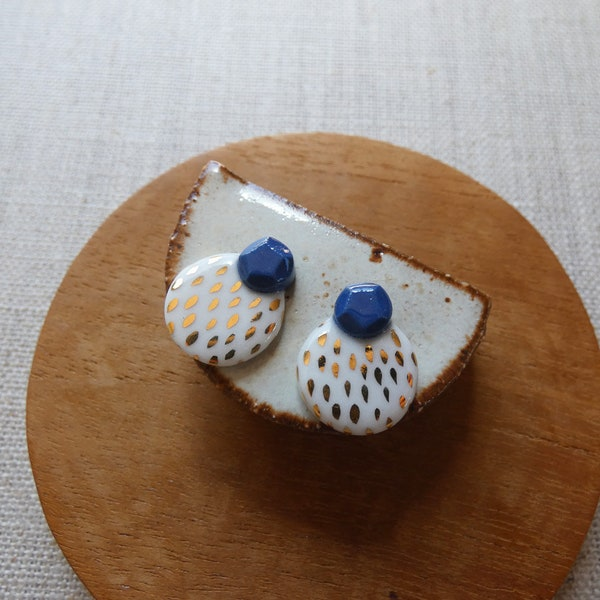 Gem and Speckled Circle Stud Earrings image 1