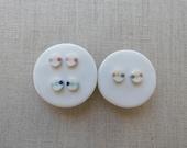 3 Dot Inlay Oval Stud Earrings