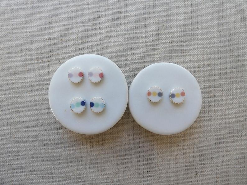 3 Dot Inlay Oval Stud Earrings image 0