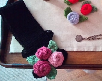 1940s Style Pink Rose Belt. Hand Knit for the Homefront