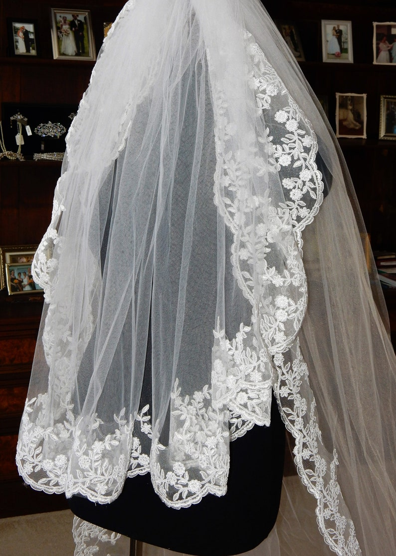 GORGEOUS 2 Tier White Lace Edge Cathederal Veil with Blusher
