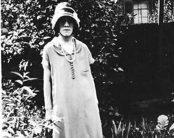 Vintage Photo - Fashionable Woman - 1920's Original Photo - Unhappy - Flapper Hat -Lonely - Outdoors - Foliage - Black & White - Snapshot
