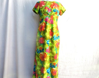b19832611ad9 Vintage Hawaiian Floral Maxi Long Dress with Train Luau, Alice, Medium
