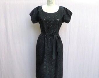 07272902a Vintage 1950 s Black and Pink Eyelet Taffeta Wiggle Sheath Dress Evening  Cocktail