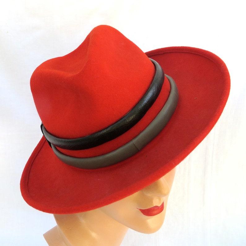 b738b58ff76 Vintage 1970 s Red Wool Felt Women s Fedora Hat with