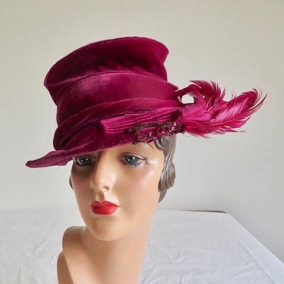 Vintage 1940's Magenta Velvet Tilt Topper Hat with
