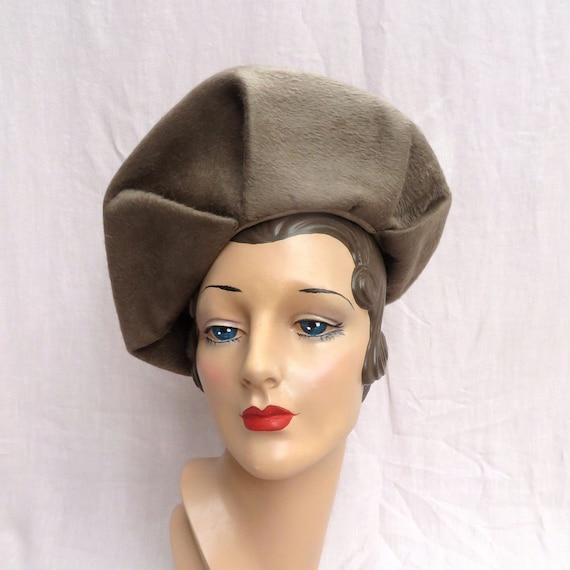 Vintage 1940's Taupe Wool Felt Halo Hat Beret Styl