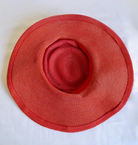 Vintage 1940's Coral Red Straw Wide Brim Hat Popp… - image 10