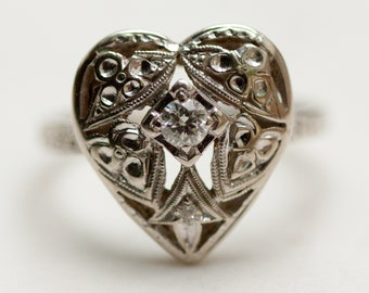 Vintage Filigree Engraved Diamond Sweetheart Ring in 14k Solid White Gold, Size 6 // Heart Ring //