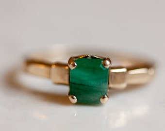 Vintage 14k Solid Yellow Gold Natural Emerald Ring, Size 6 // May Birthstone //