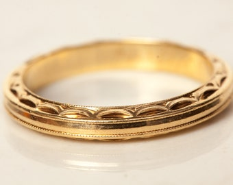 Vintage Thin Carved Detail Solid 14k Solid Yellow Gold Wedding Band Stacking Band Anniversary Band, Size 6