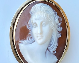 Vintage High Relief Female Natural Shell Cameo in a Solid 14K Gold Setting Brooch or Pendant