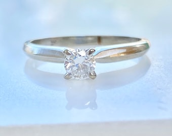 Diamond Engagement Ring 14k Gold, Solitaire, Round Cut, .25 Ct., VS2, E, Size 5, Promise, Wedding