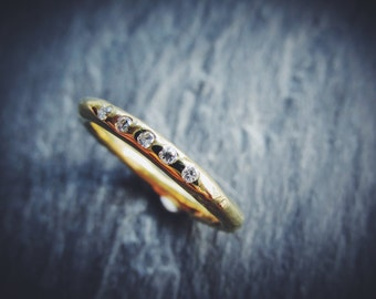 Rugged Diamonds //\\ 14K 18K Yellow or White Gold Wedding Band Eternity Band Organic Unique Stacking Ring Conflict-Free Diamonds Custom Made