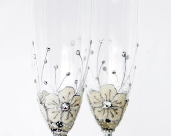 Wedding Glasses, MADE to ORDER ,Champagne Glasses, White Ice Flowers Champagne Flutes Hand painted Set of 2