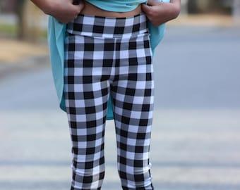 Peony Leggings 6-16 PDF sewing pattern, juniors knit sewing pattern, girls leggings, knit pants pattern, tween capri pants, girls shorts