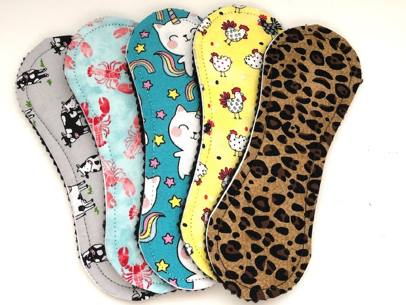 Wingless Cloth Panty Liners 7.5 Set of 5 Animals image 0