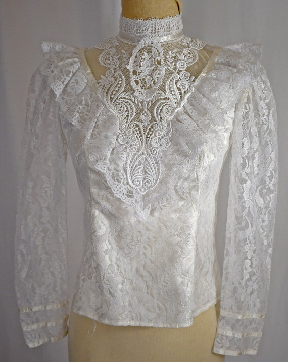Vintage 1980s Victorian Style Ivory Lace Ruffle an