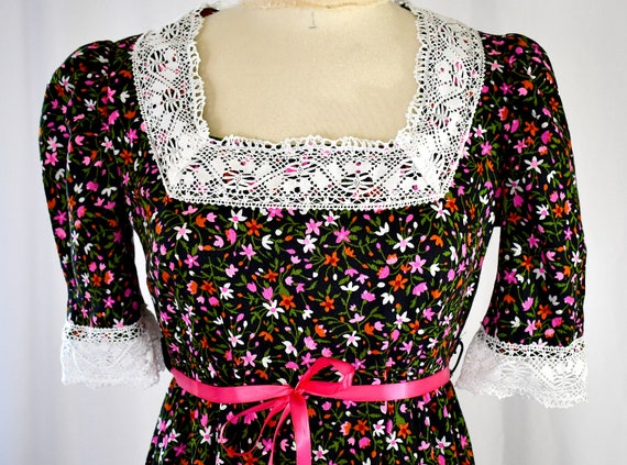 Vintage 1970s Black and Pink Cotton Floral Long Ed