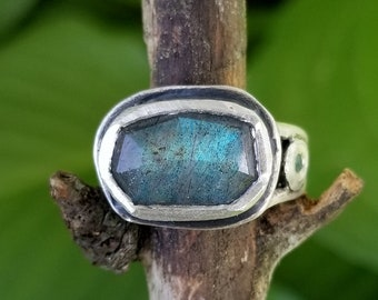 Labradorite Statement Ring Apatite Accents Handmade Sterling Silver Right Hand Ring Labradorite East West Boho Ring