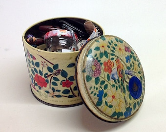VINTAGE BUTTONS, SEWING Notions, Haberdashery, Buckles, Cotton Reels, Tea Caddy Tin