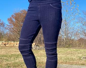 Blue knit denim legging with functional pockets