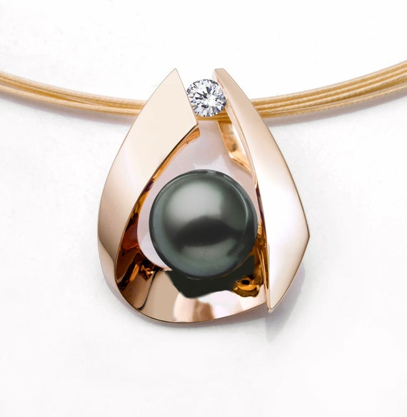 Gold Tahitian pearl pendant with diamond side stone, black pearl, fine jewelry  - 3455