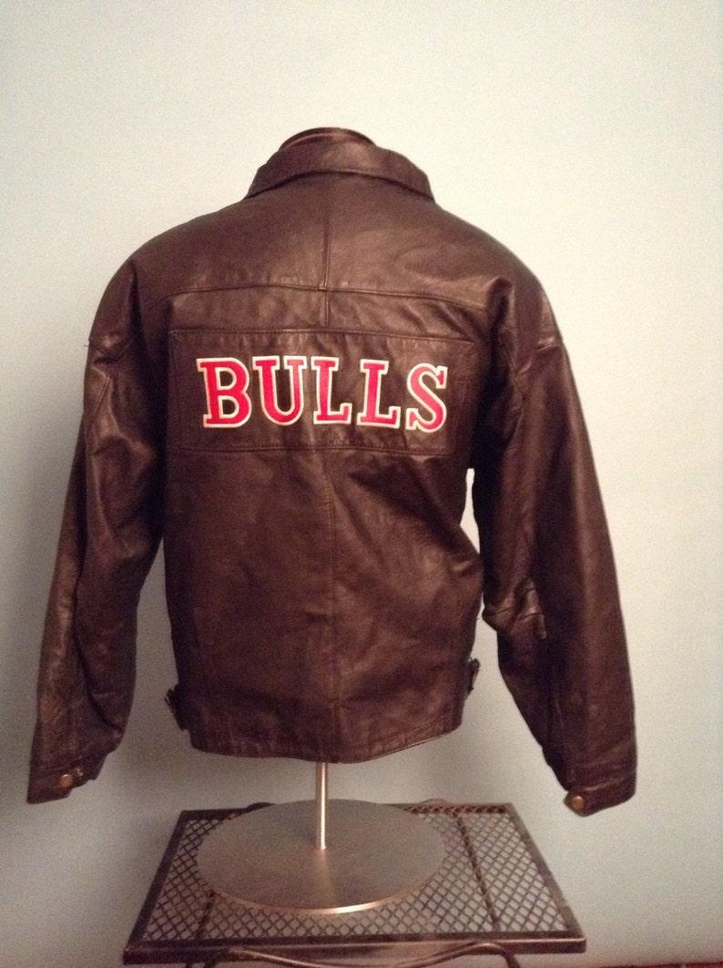 4542e1a9 Vintage Chicago Bulls Starter Leather Jacket
