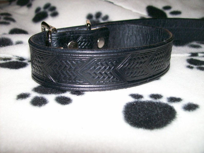 1 Wide Leather Dog Collar with Chevron Design image 0
