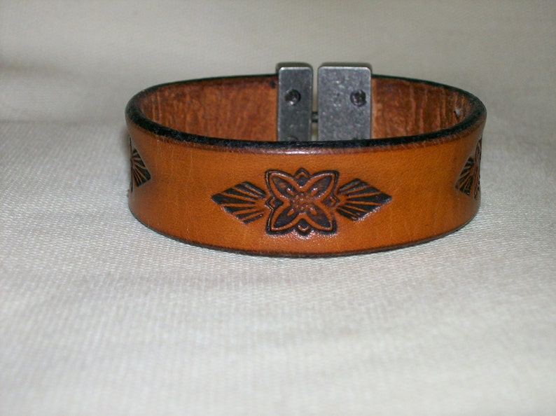 Leather Bracelet with Flower and Arrowhead Design image 0