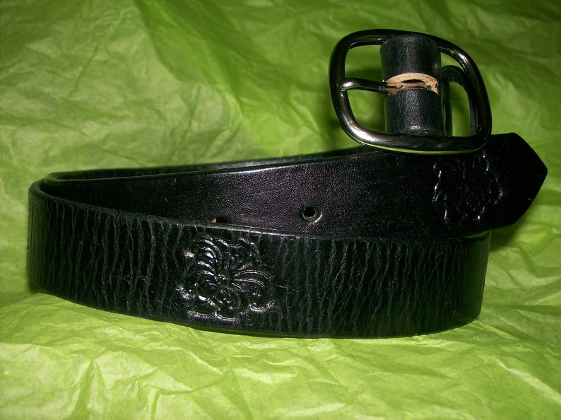 Womans Custom Leather Belt with Lilies image 0