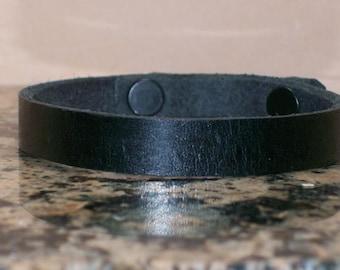 Narrow Plain Black Leather Bracelet