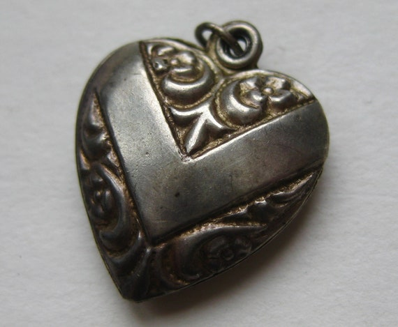 Vintage Charm Sterling Silver V for Victory Repous