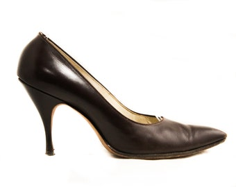 cd3df78044a6 Size 5.5 Shoes - Classic 1950s Dark Brown High Heels - Sexy 50s Pointed Toe  Stiletto by Mademoiselle - Chocolate Leather - 5 1 2 - 50246