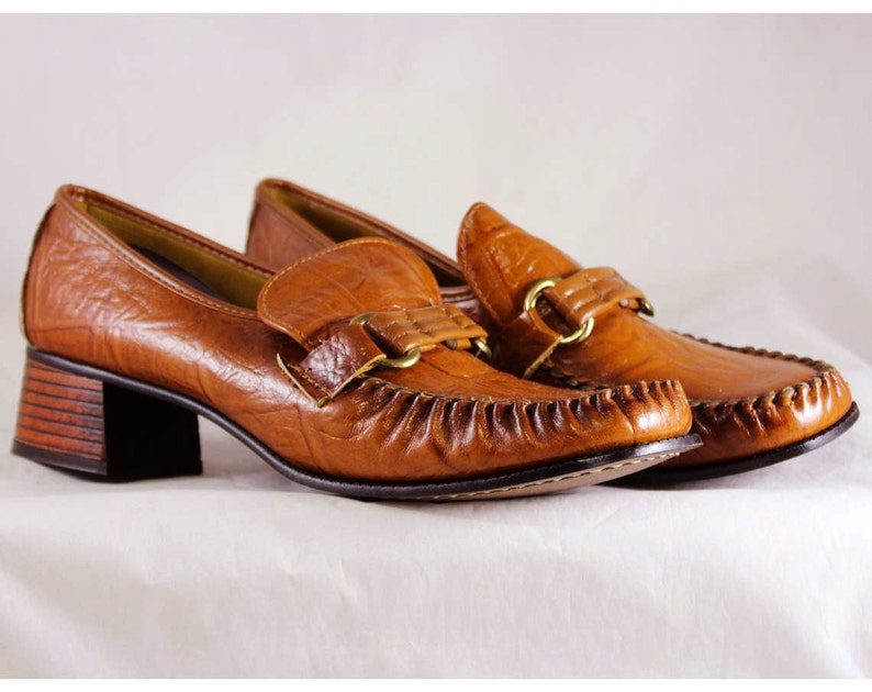 d1bd01fd726ed Size 7 Leather Loafers - Unworn 60s Shoes - 1960s Mod Casual Loafers -  Slick Caramel Brown Textured - Kitsch Preppie 60s Deadstock - 46975-2