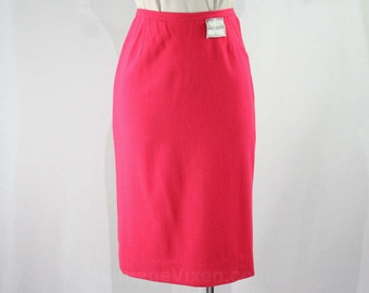 Size 4 1950s Shocking Pink Pencil Skirt - Small Vivid Marilyn Style Office Skirt - Tailored 1950s 60s Sexy Secretary Style - Waist 24.5