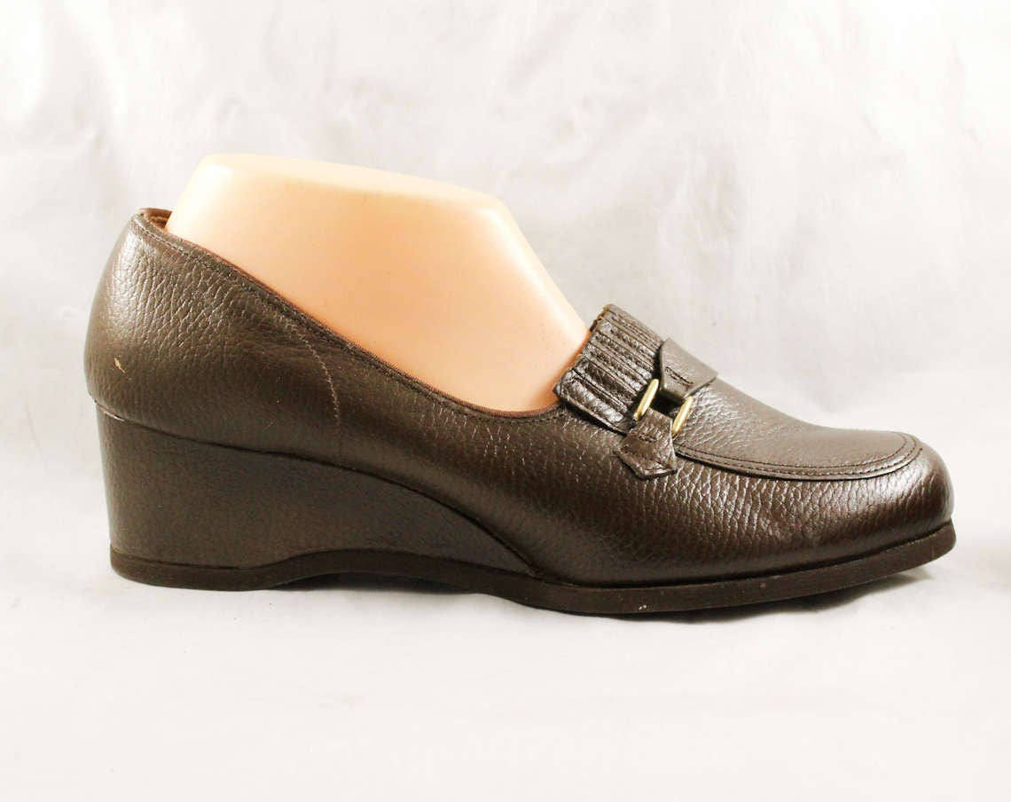 85fe5bc5be0d8 Size 10 Loafers - Unworn 70s Brown Leather Shoes - Wide Width Nice Quality  1960s 1970s Wedge Heel Platform - 60s NOS Deadstock - 10W EEE
