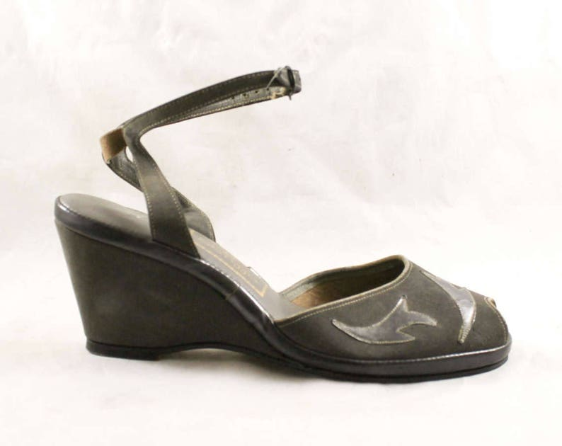 95240cc8b49 Size 6 1940s Gray Shoes 40s 50s Peep Toe Wedges with Sexy