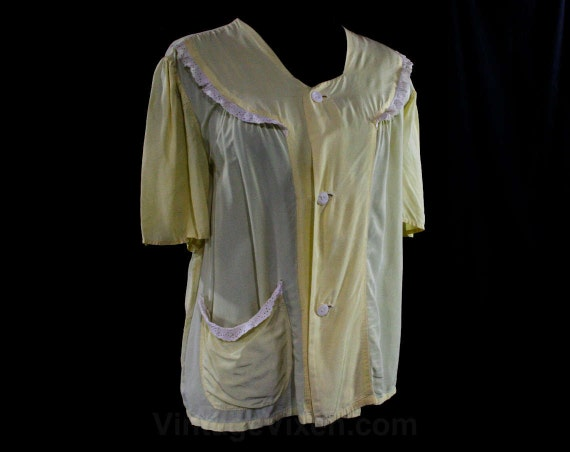 Size XL 1940s Yellow Rayon Bed Jacket with Eyelet