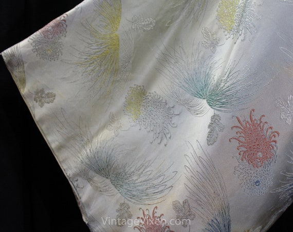 Asian Silver Brocade Kimono Robe - Ladies Size La… - image 4